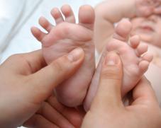 Le massage est un moment privilégié pour la maman et le bébé!