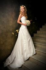 Louer une robe de mariée rend accessible les robes des grands couturiers!