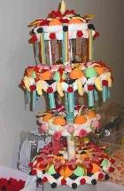 une pièce montée de bonbons...alléchante!
