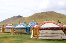 Des yourtes mongoles pour passer votre nuit de Noces?